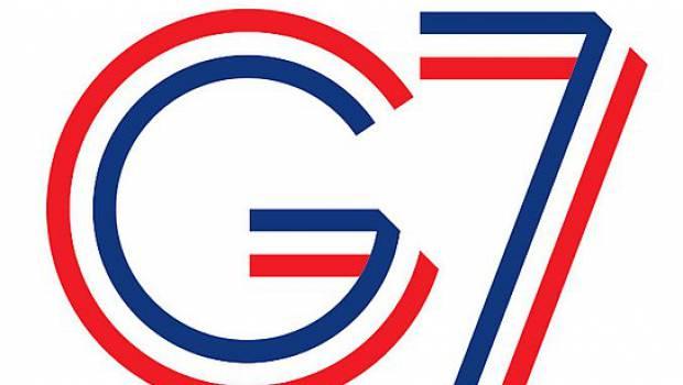 Emmanuel Macron reçoit la société civile avant le G7